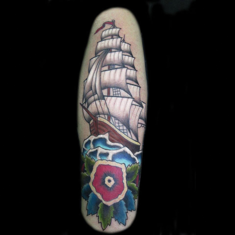 Tatuaje barco tradicional