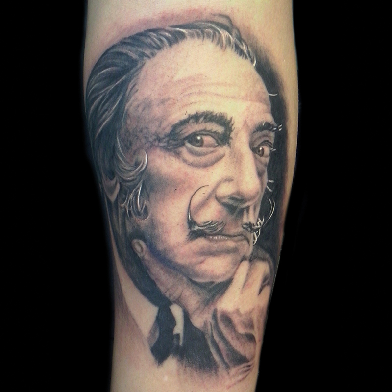 Tatuaje cara Dalí