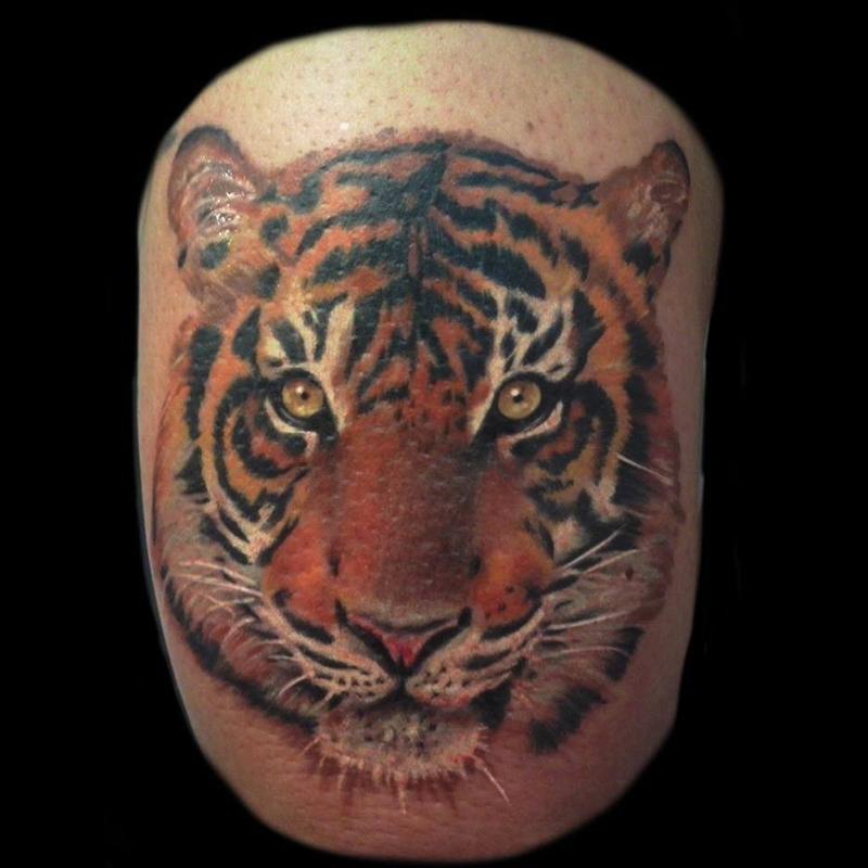 tatuaje realista tigre