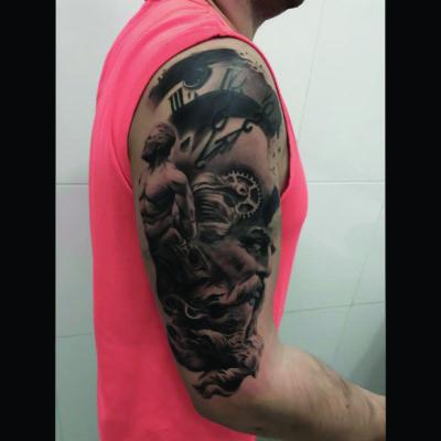 zeus tatoo realista